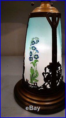 Arts and Crafts Style Antique Lighted base Slag glass Lamp Handel era