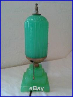 Excellent Vintage 1930 Skyscraper Tower Art Deco Green Houze Glass Company Lamp