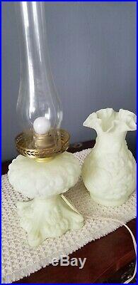 Vintage Gorgeous Fenton Yellow Custard Satin Uranium Art Glass Lamp Beautiful