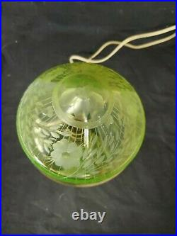 Vtg GREEN vaseline GLASS ELECTRIC LAMP tear drop floral shade fluorescent (A3)