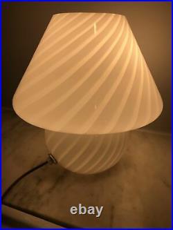 Vtg Mid Century Italy Murano Swirled White Art Glass Mushroom Table Lamp
