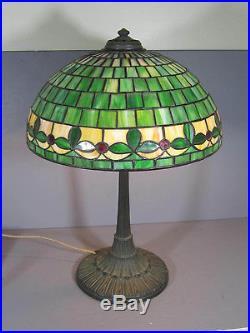 Wilkinson Leaded Glass Lamp with Arts & Crafts Design / Tiffany Handel Era